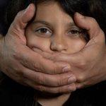 إيه هى صفات المتحرش؟ وإزاي نحمي أطفالنـا من الانتهاك الجنسي ؟