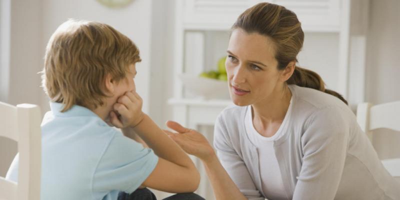 اكتئاب الأطفال أعراض وليه بيجيلهم؟